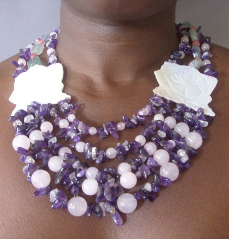 Pebbles Wearble necklace