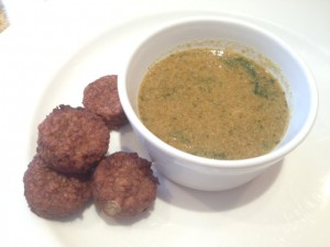 Original recipe of the week Mini veggie burgers with a coco-peanut dip - BethanyStone-The Upcoming - 1
