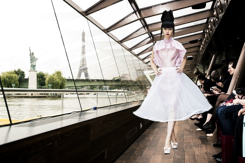 The floating catwalk to take Paris by storm (5)