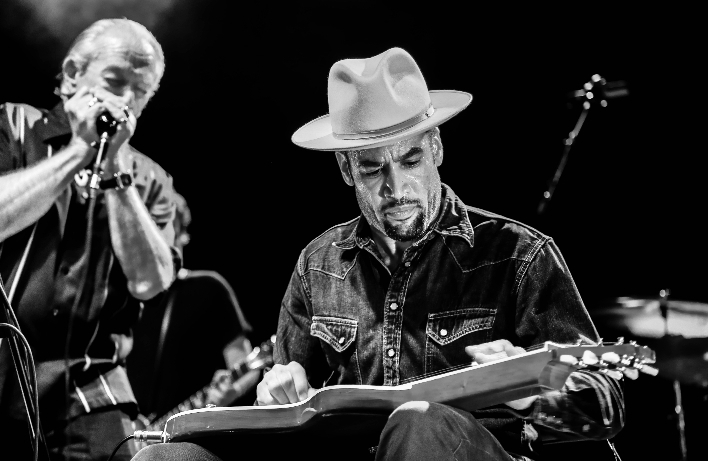 ben harper and charlie musselwhite at o2 shepherd's bush empire andrei grosu 1
