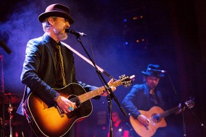 HOWE GELB at Islington Assembly Hall - GuifrePeray - TheUpcoming - 03