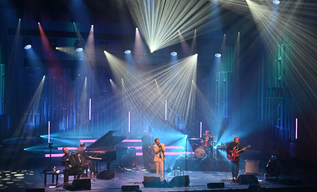 The-Divine-Comedy-Barbican-141020_0893-1